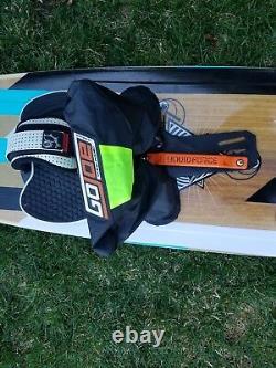2016 Liquid Force Focus Kiteboard 134x41 Avec Palmes, Gojoe, Footstraps, Poignée